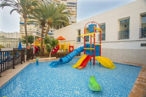 Zona infantil hotel magic villa benidorm